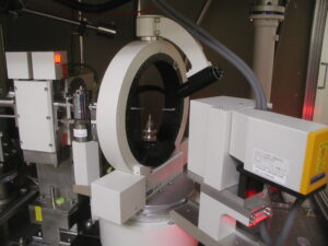 Four-circle diffractometer